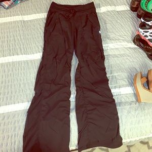 Black lulu pants